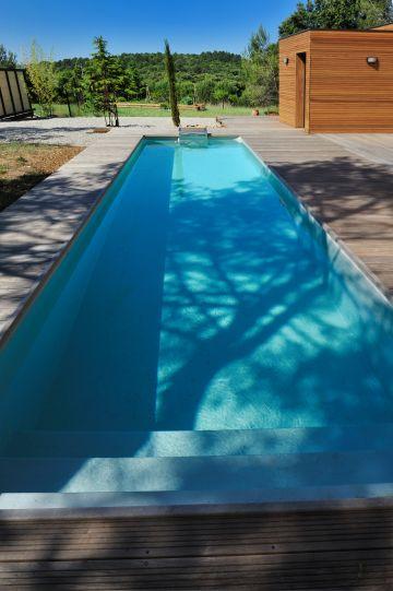 Un couloir de nage de taille 10m x 2.50m