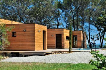 Une maison en bois design et moderne