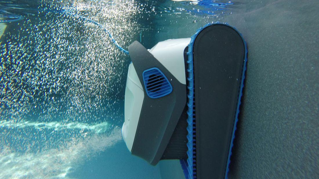 Le Dolphin S400 est pilotable via une application, permettant son activation à distance.