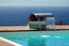 lame d'eau piscine cascade jet d'eau douche piscine design
