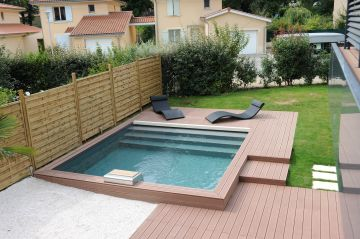 Une piscine Piscinelle carrée à Lyon