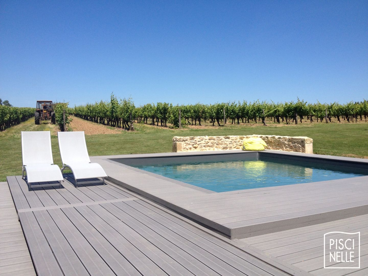Design bassin carre jardin 37 nancy nancy departement for Piscine 37