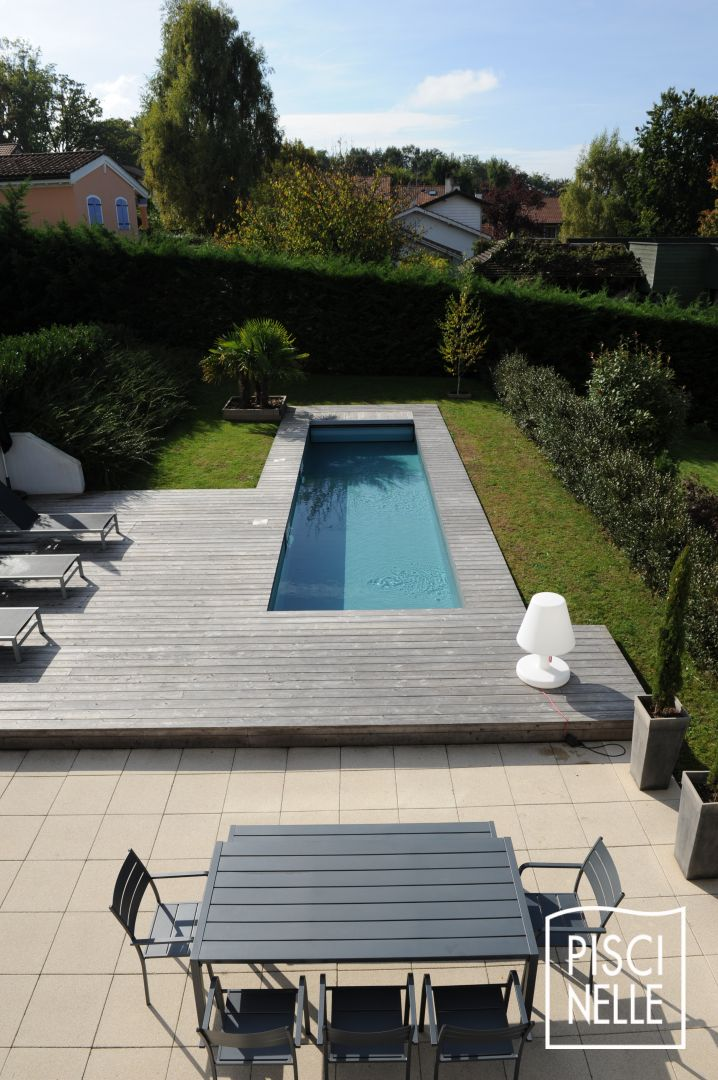 Design piscine transat de piscine design bain de soleil for Transat piscine design