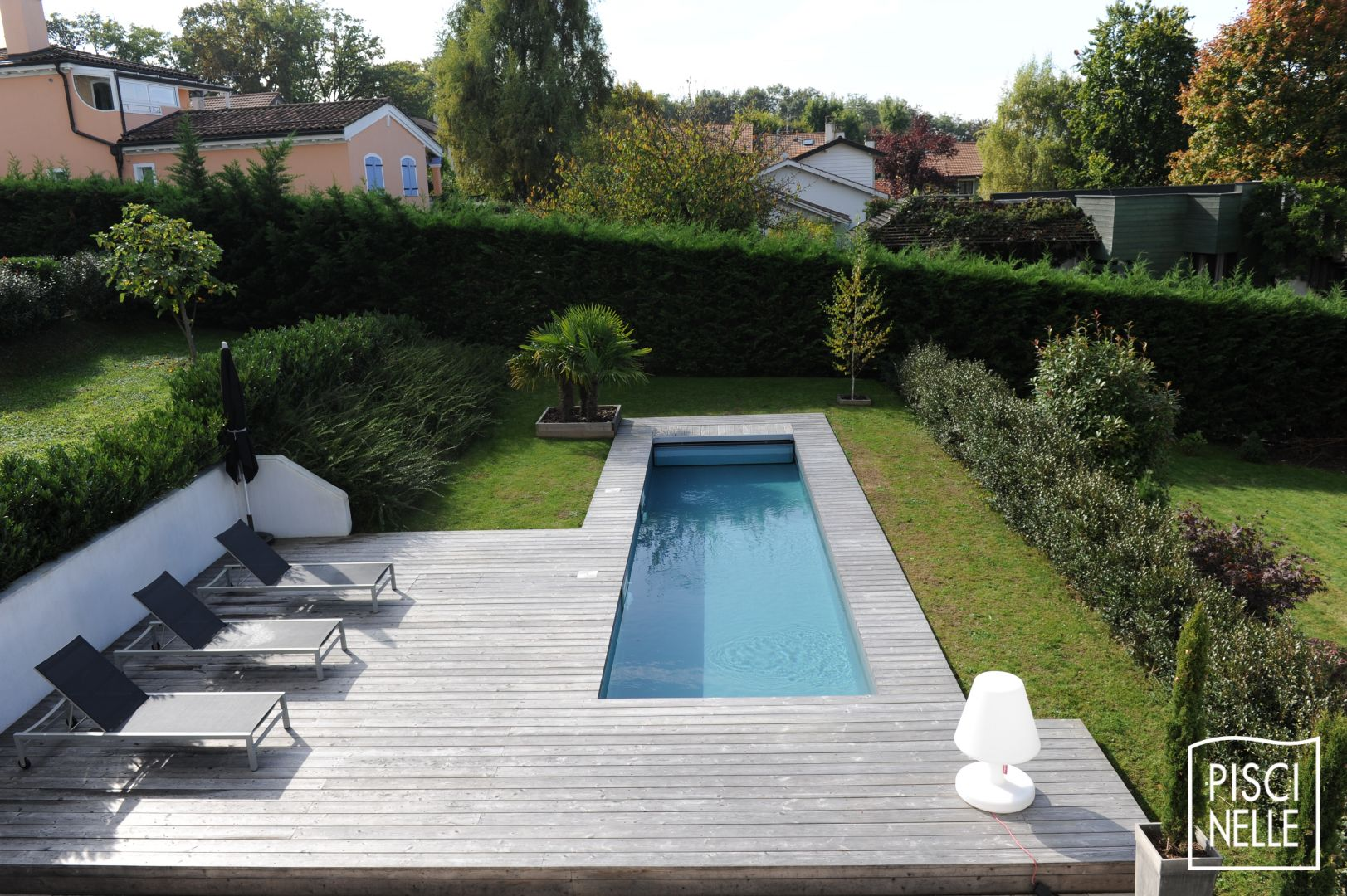 D coration piscine couloir nage la rochelle 2631 for Piscine hors sol toulouse