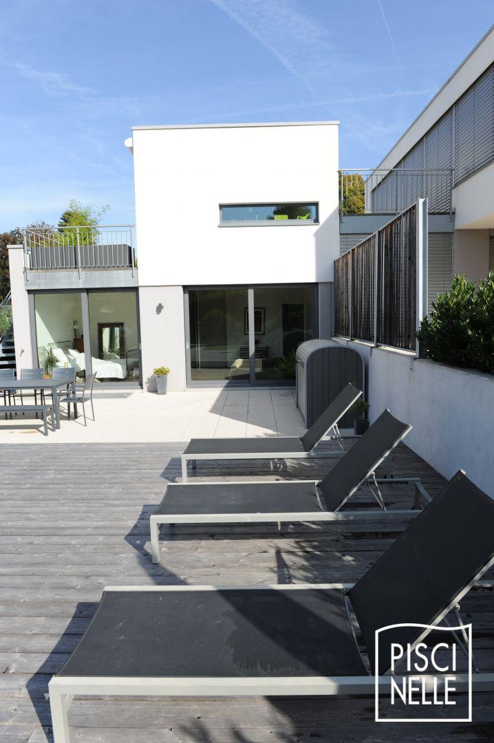 reportage photo piscine sur un couloir de nage design. Black Bedroom Furniture Sets. Home Design Ideas
