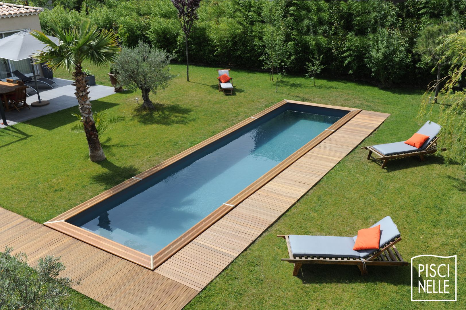 Couloir de nage piscine cn piscinelle for Piscine semi enterree coque