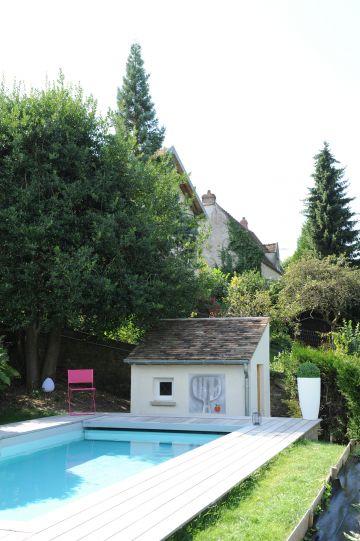 La piscine est équipée d'un volet automatique immergé permettant de sécuriser la piscine en quelques instants.