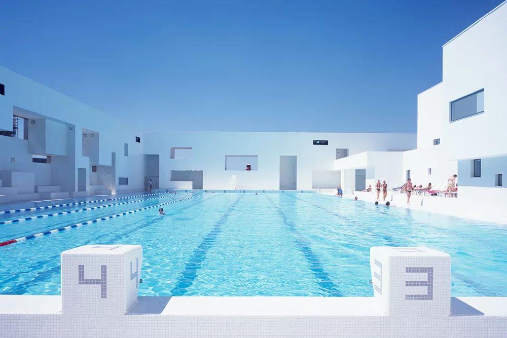 La piscine publique du Havre réalisée par Jean Nouvel (crédit : Philippe Ruault).