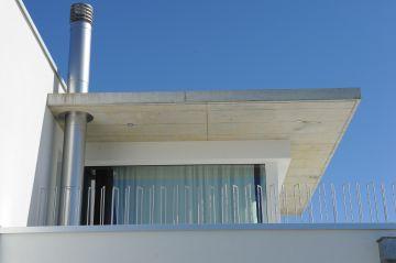 Balcon donnant sur la Piscinelle en Suisse