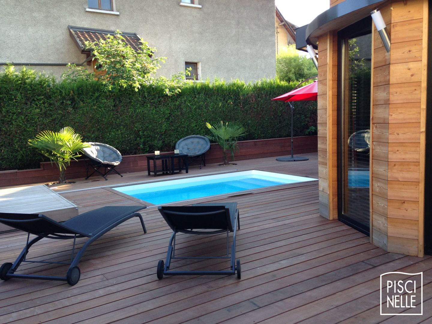 Reportage photo piscine terrasse mobile for Cherche appartement avec jardin