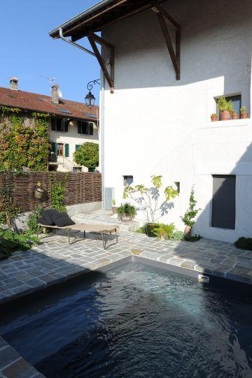 Piscinelle avec terrasse en pierre