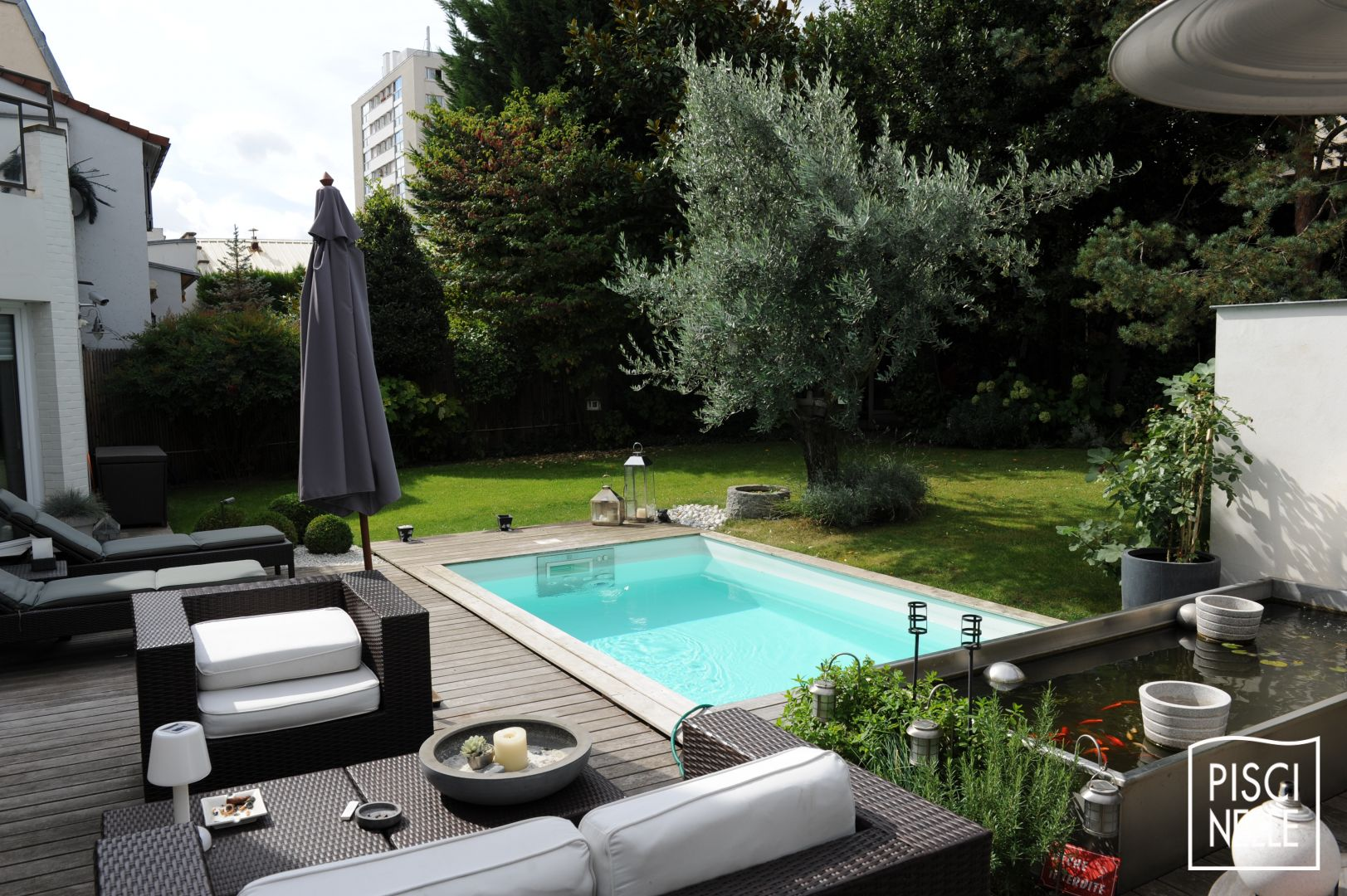 reportage photo petite piscine de centre ville suresnes piscinelle. Black Bedroom Furniture Sets. Home Design Ideas