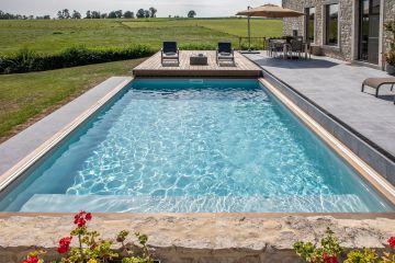 Le même point de vue avec le Rolling-Deck ouvert et la tâche bleue dans le jardin.