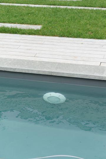 Une piscine équipée d'un système EPS