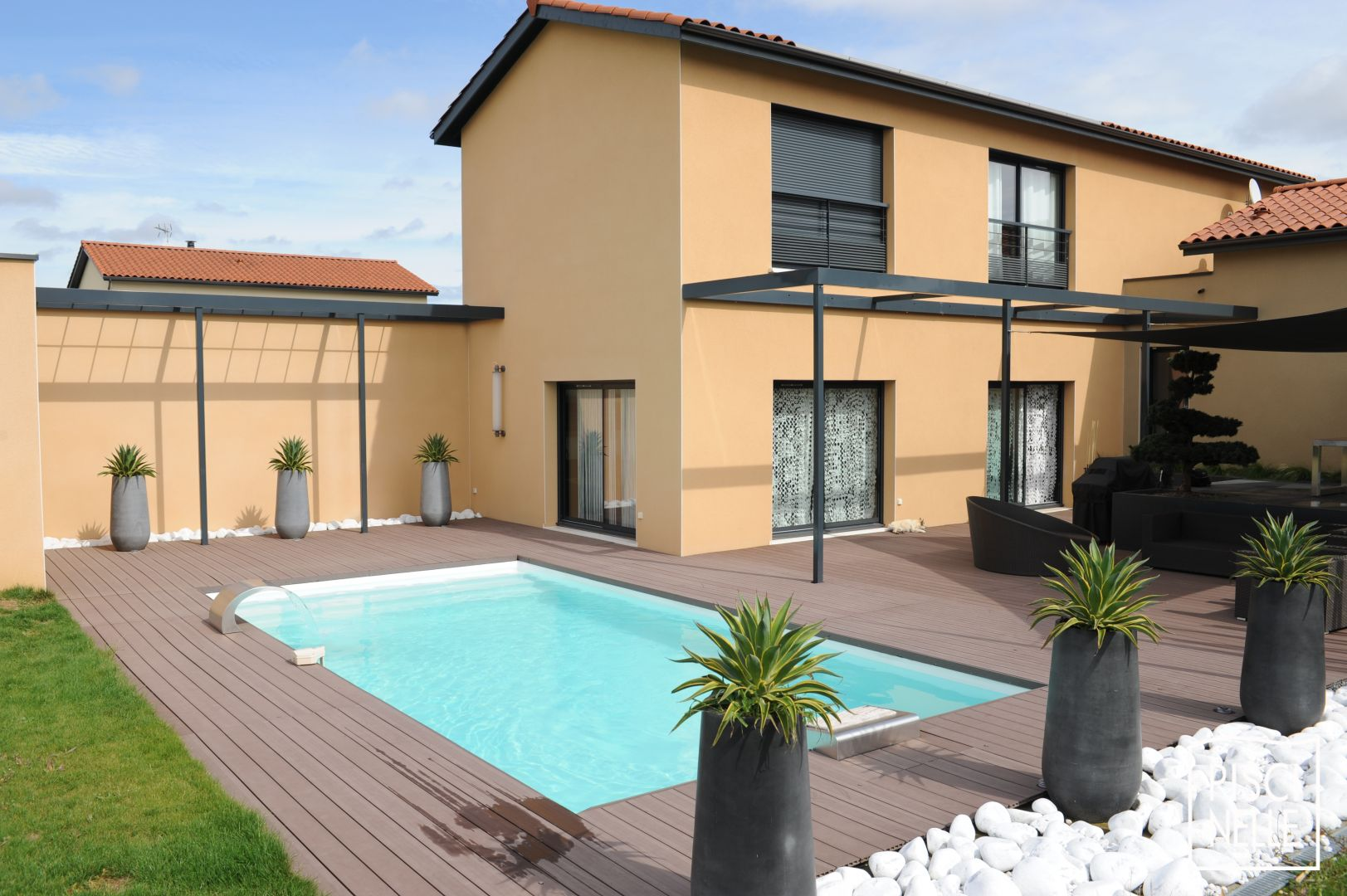 photos de piscines piscine piscinelle. Black Bedroom Furniture Sets. Home Design Ideas