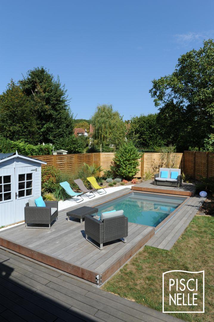 Une petite piscine de nuit avec terrasse mobile en 2 parties for Piscine piscinelle