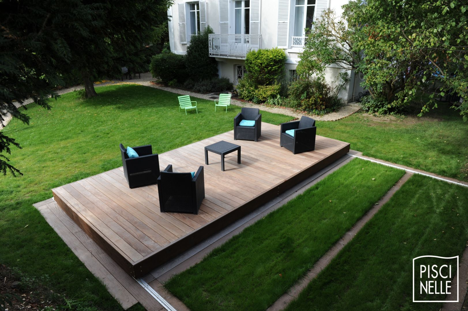 une terrasse coulissante de piscine rolling deck pisicnelle. Black Bedroom Furniture Sets. Home Design Ideas