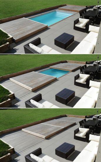 Petite piscine rectangulaire équipée d'un Rolling-Deck.