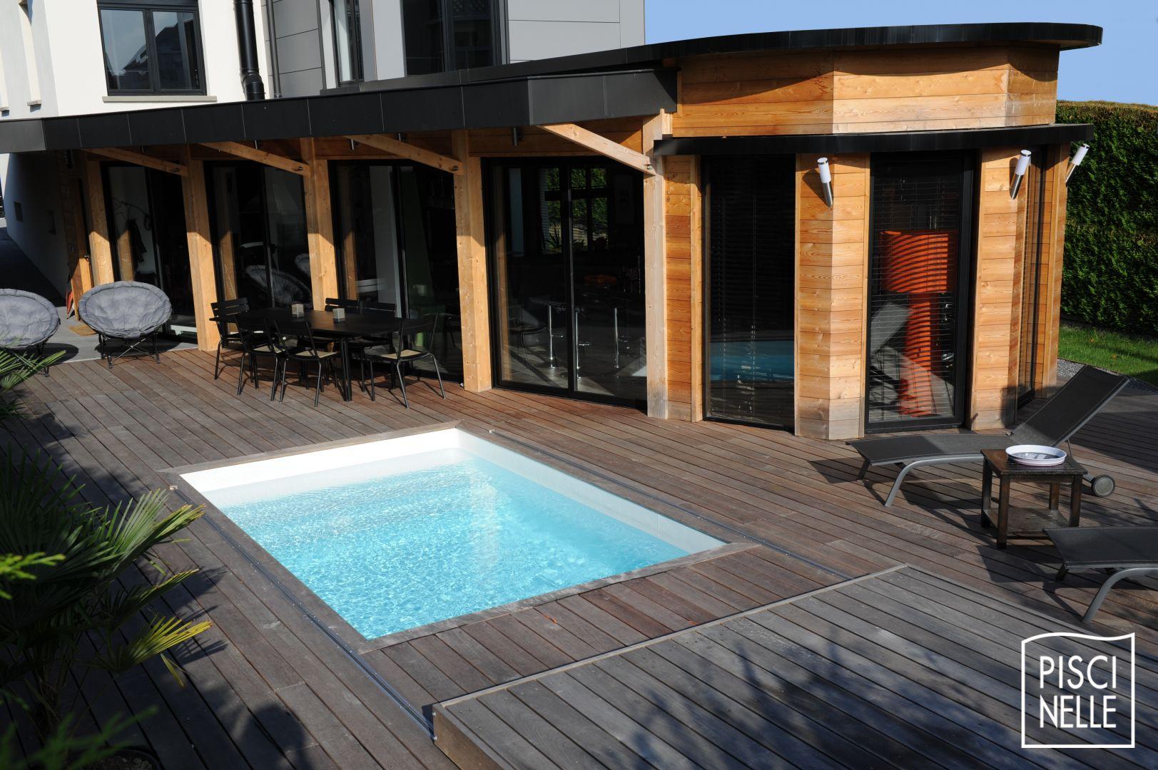 Terrasse piscine mobile le rolling deck piscinelle for Deck piscine bois
